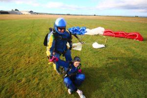 atterrissage lors d'un saut en parachute Nord