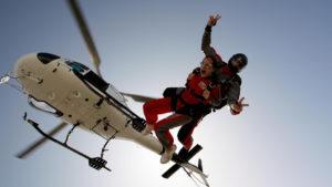 sauter en parachute depuis un hélicoptère en Occitanie